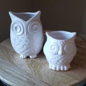 Set of white owl vases